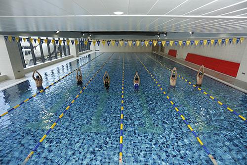 swim-aerobicsstock_00001341